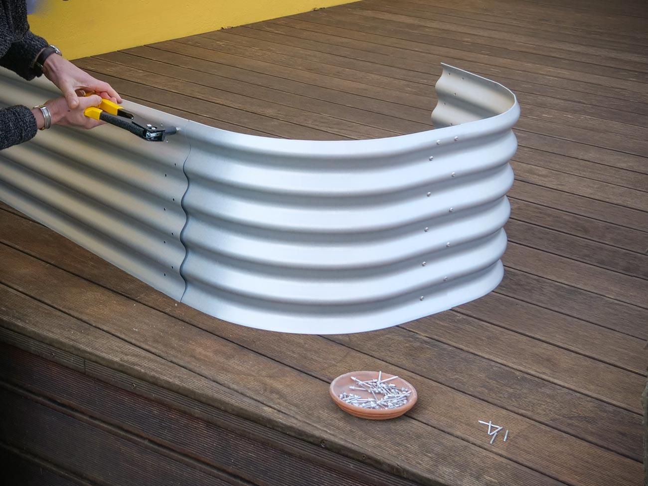 Hochbeet-selber-bauen-Metall-01